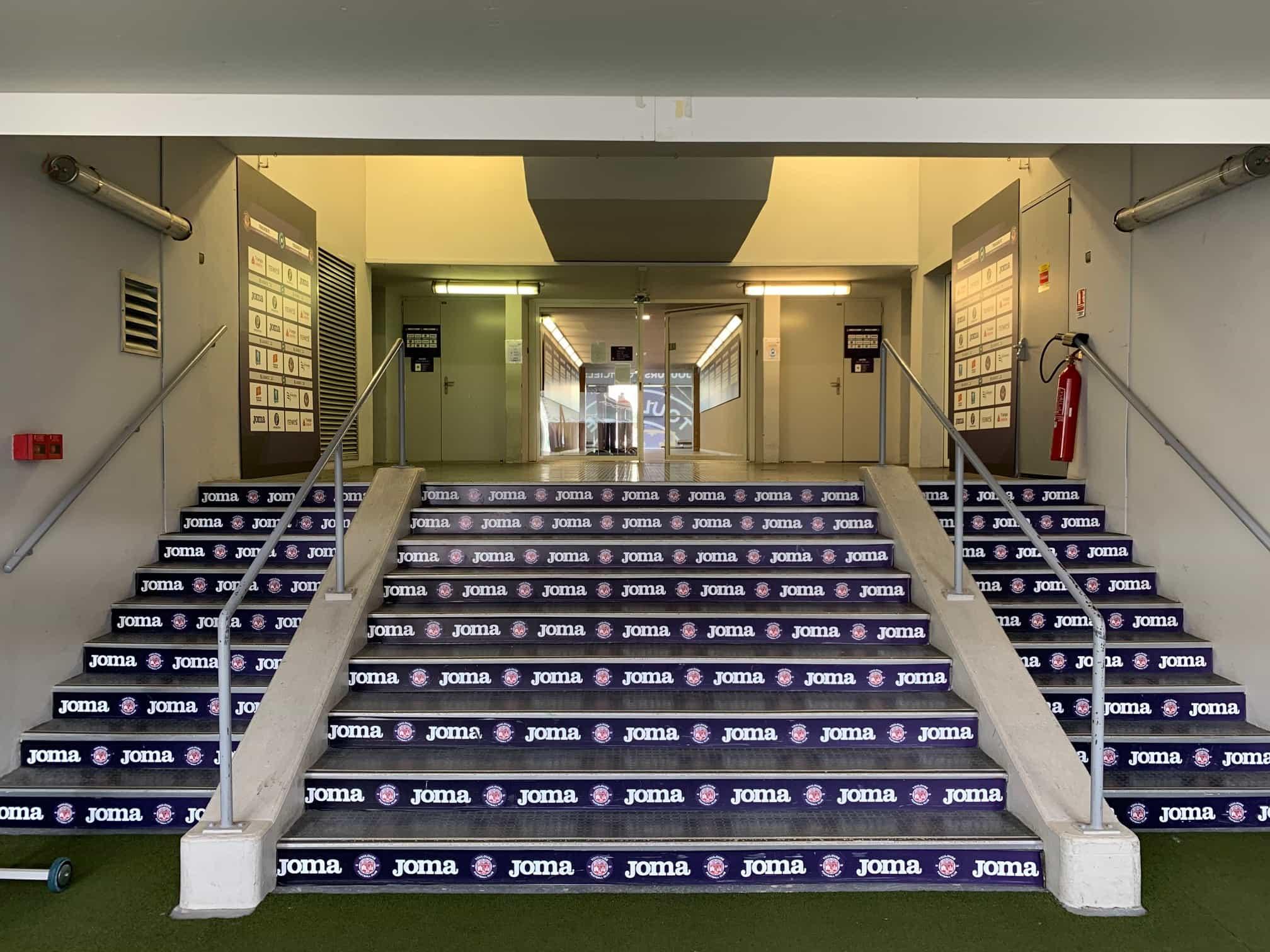 habillage stadium TFC signaletique interieure